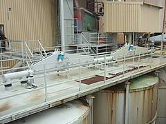 Tubular feeder / conveyor with unbalanced motors